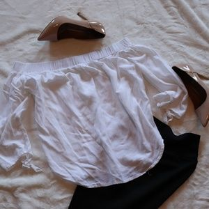 White off the shoulder blouse S  C15